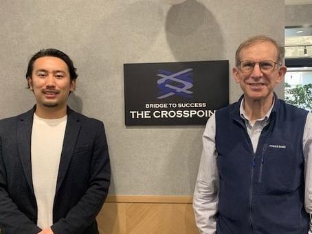 経済アナリスト ロバート・フェルドマン氏と、日本最大級の副業マッチングサービス「シューマツワーカー」の運営会社のCEO・松村幸弥氏がTHE CROSSPOINTで対談