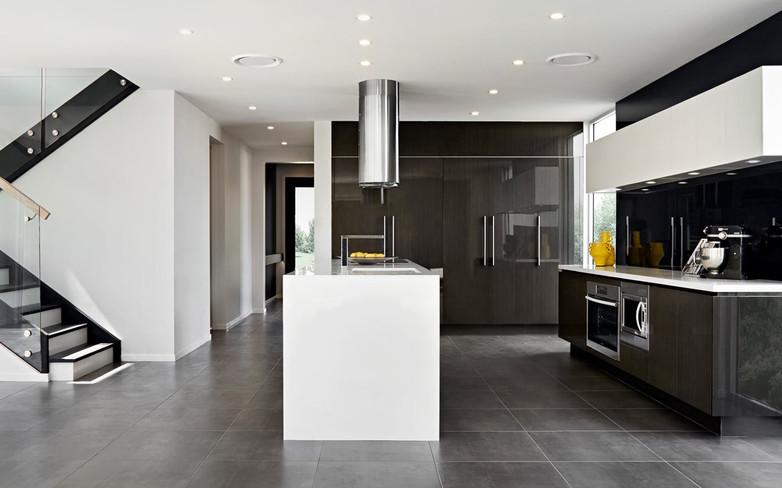 Kitchen - C dark wood - U white - B whit
