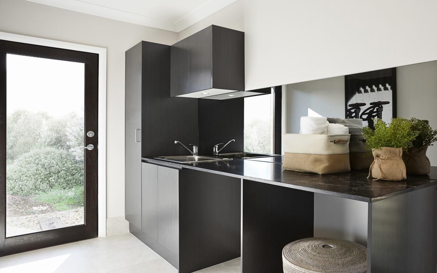 Laundry - C black - B black.jpg