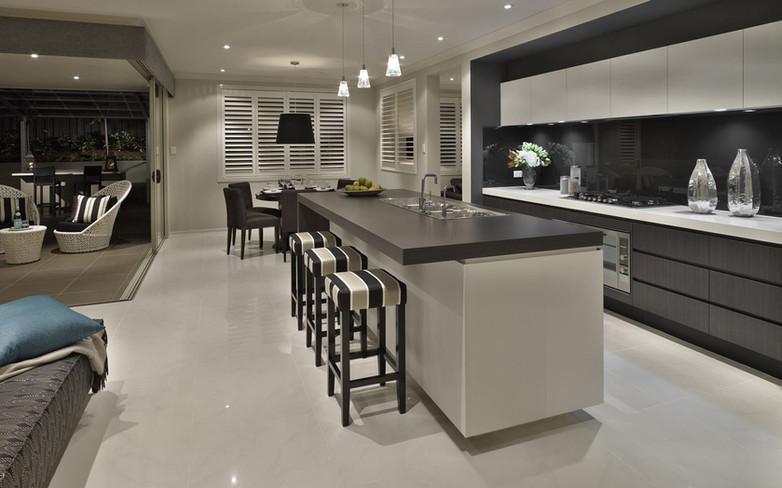 Kitchen - C white and black - U white -