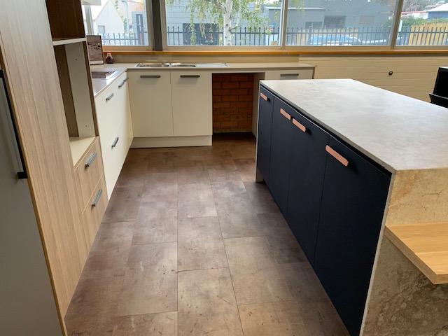 Kitchen Design Mid Range 2.png