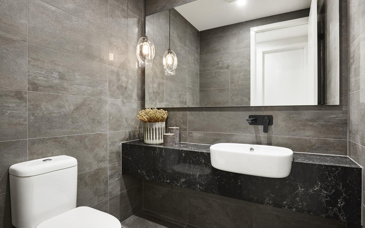 Elyse Bathroom 2.jpg