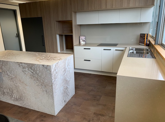 Kitchen Design Mid Range 3.png