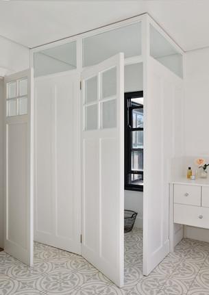 jj.bathroom2high copy.jpg