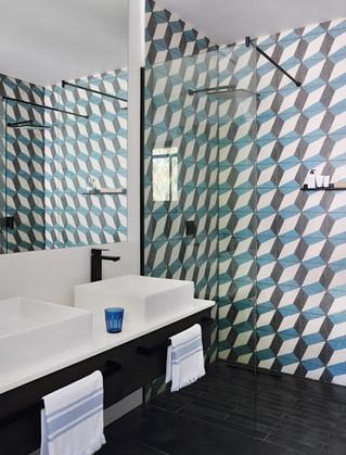 jj.bathroom3 copy.jpg