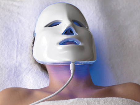EVERYONE IS OBSESSED WITH LED LIGHT FACIALS, HERE'S WHY!