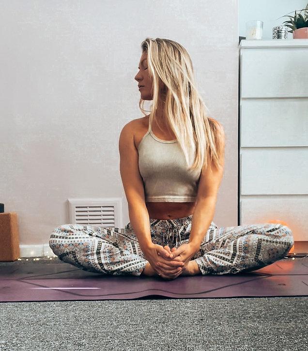 Yoga%20Providero%20Llandudno_edited.jpg