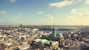 Hoch über Hamburg