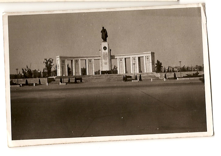 1946 Berlin Russian War Memorial