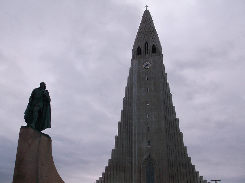 Hallgrímskirkja Cathedral with Leif Eriksson Statue - 18th March 2016 David Poole