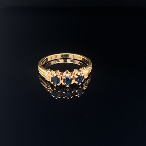 18k Yellow Gold Sapphire Ring