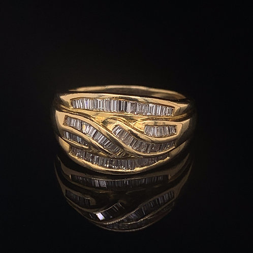 18k Yellow Gold Bagguette twisted Ring