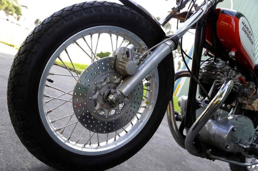 1966-Triumph-XR750-detail-2.jpg