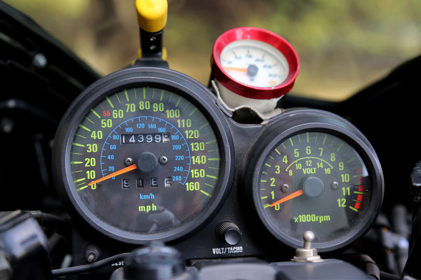 1982-Kawasaki-GPZ1100-Turbo-dash.jpg
