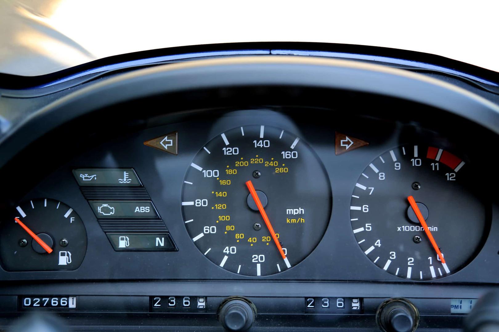 1993-Yamaha-GTS-blue-dash.jpg