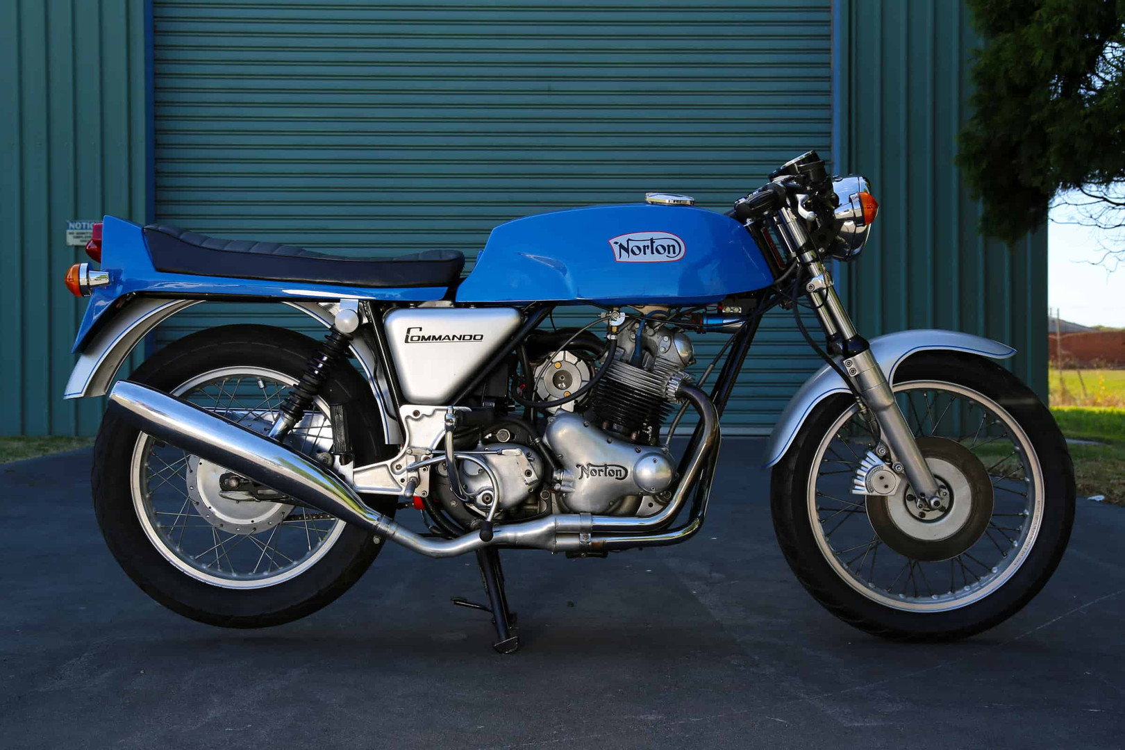 Norton-Supercharged-blue-crs.jpg