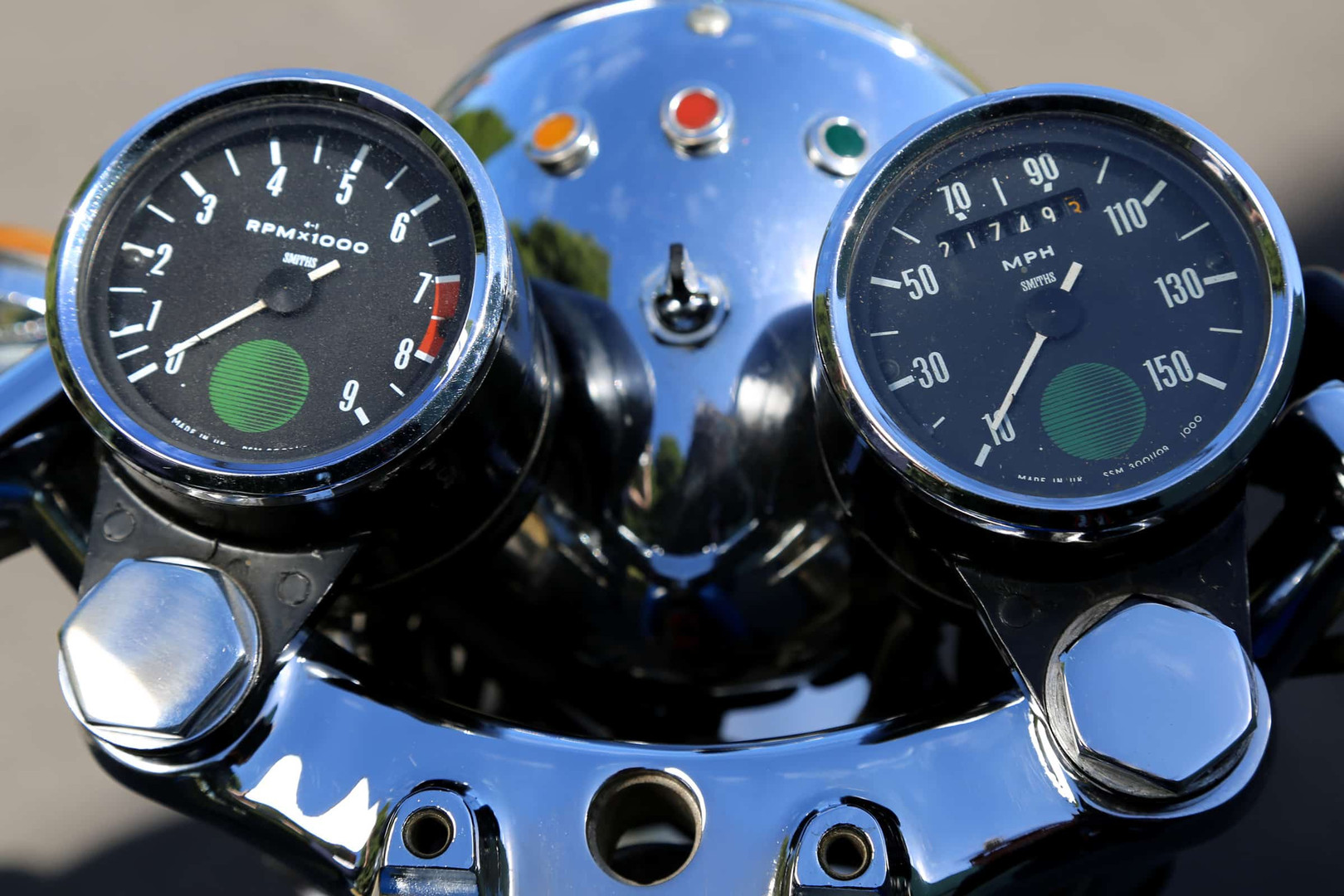 Norton-Supercharged-blue-dash.jpg