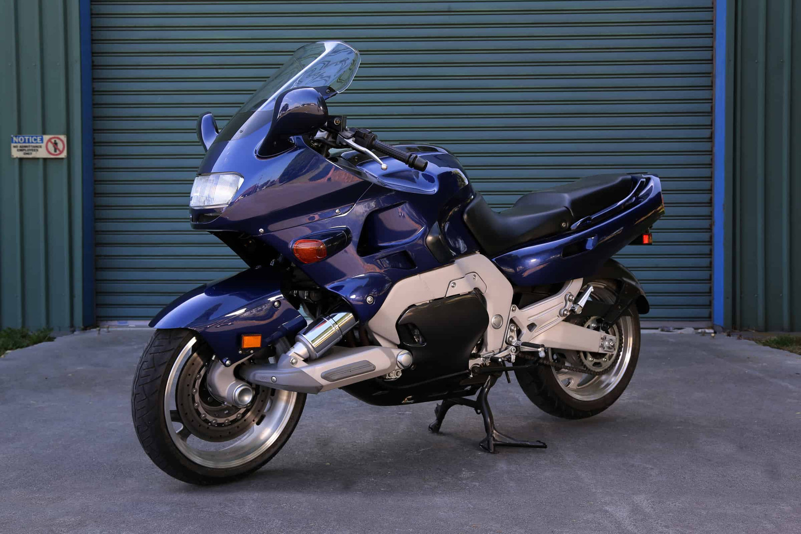 1993-Yamaha-GTS-blue-f45ls.jpg