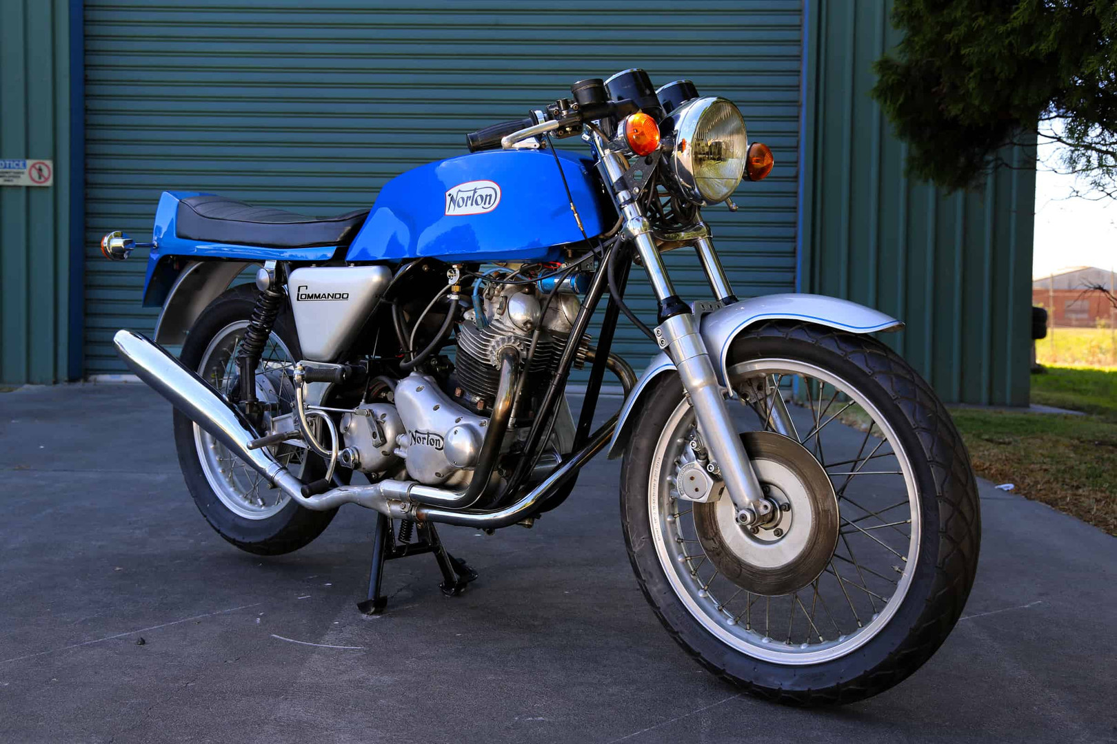 Norton-Supercharged-blue-f45rs.jpg