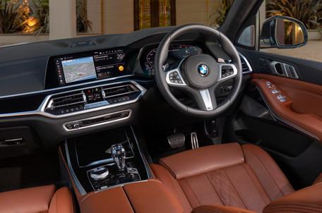2019 BMW X7 M50d 00005.jpg