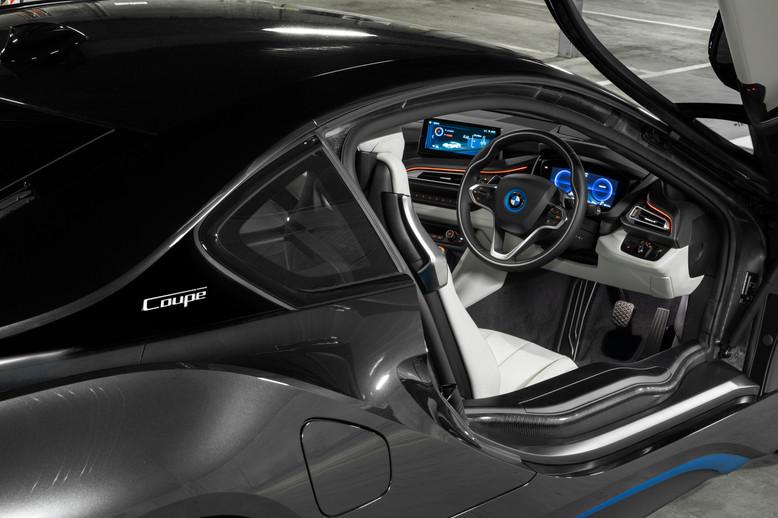 BMW i8 interior 2018.jpg