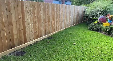 CBT-2020 applying fence sealer