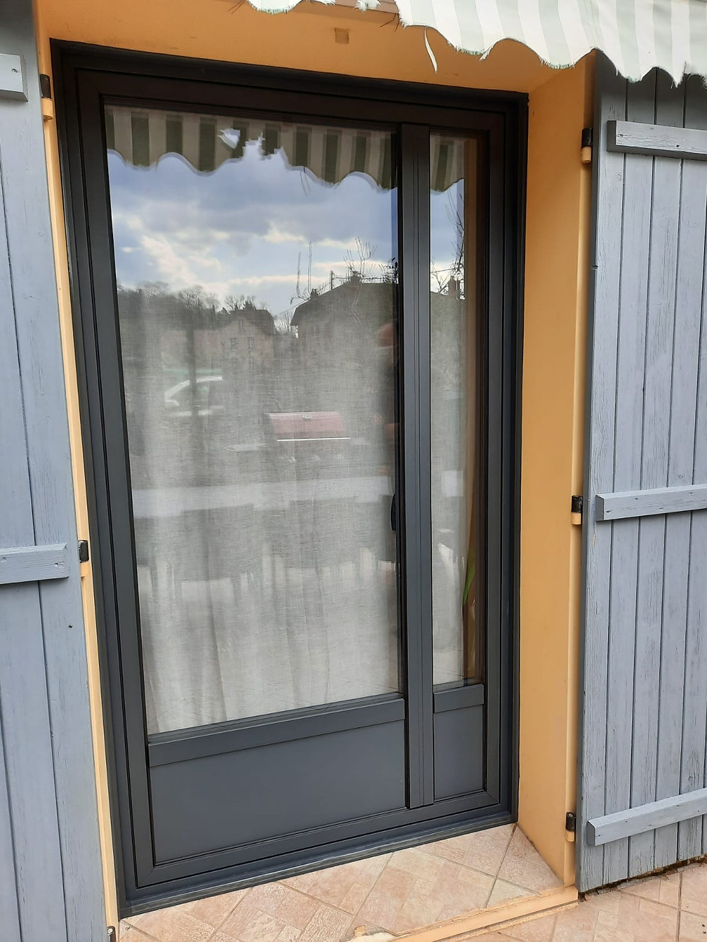 porte fenêtre en aluminium