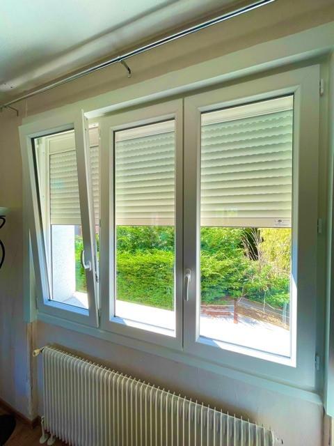 Pose fenêtre PVC et volets roulants solaire