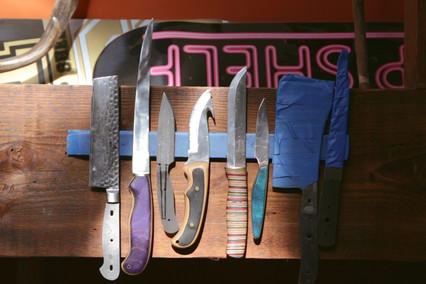 Skate Shank: Turning Broken Skateboards Into Knives (Video)