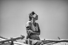 Une femme de pêcheur, joyeuse