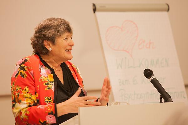 Dr. Kristina Brode, WDR Interview, neugier genügt, Angst erlauben und aushalten, Psychosynthese, Circadian