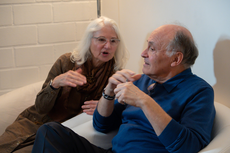 Sonja und Piero im Sessel