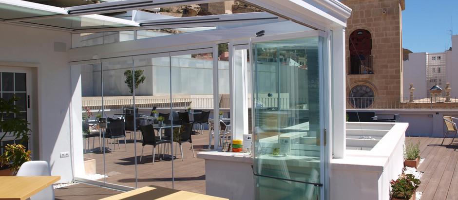 Terrazas con buenas vistas si... pero con techos y cortinas de cristal D`Glass, mejor.