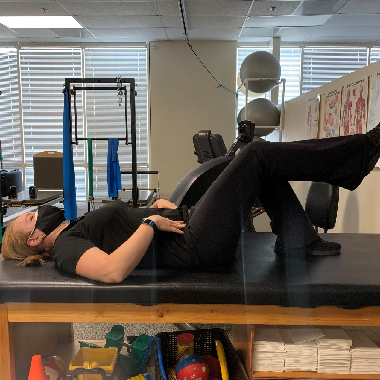Keep the tailbone down, and the neck relaxed. Raise one leg up to table top position to begin.
