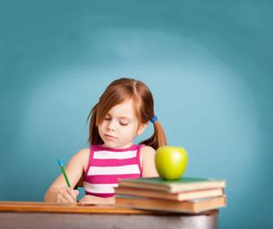 Как научить ребёнка писать сочинения?