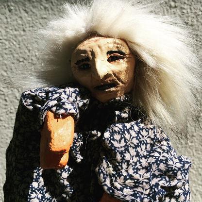 Marionnette : sorcière