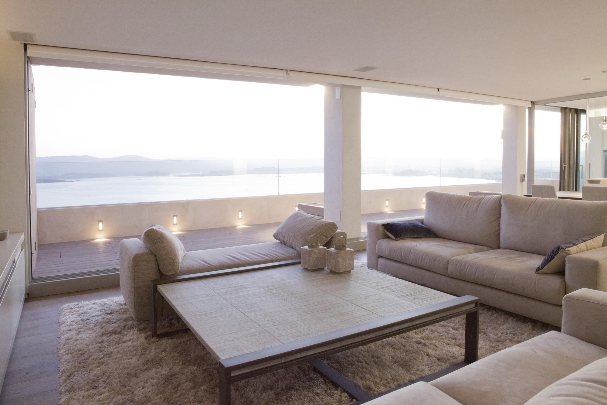 2_sofas