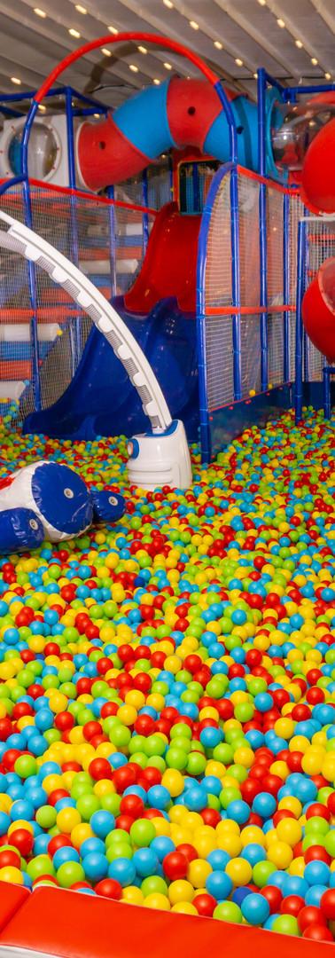 ufo ball machine