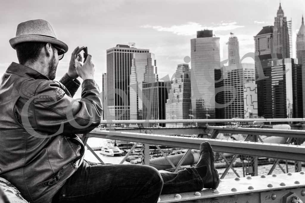 Brooklyn Bridge et touriste NB IMG_1582