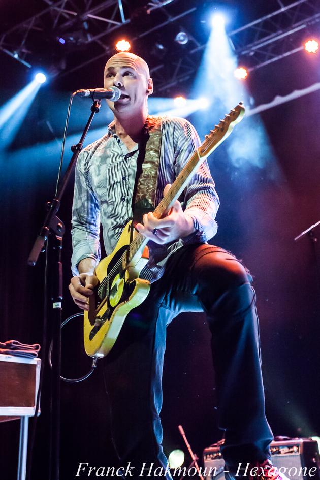 Guitariste de Lucky Perterson13