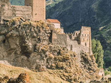 Karavanly: The Ultimate Georgian Travel Tour You Never Knew You Needed