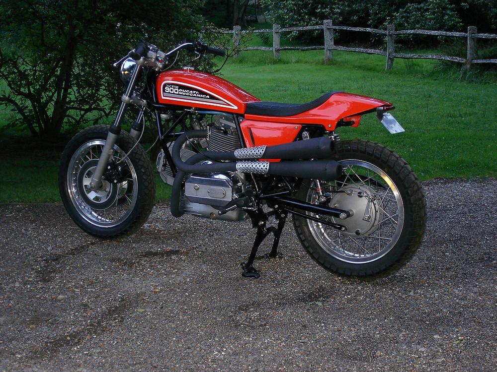 Peter Korens Ducati Flat track XR900 1.jpg