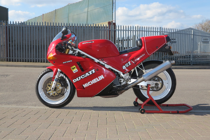 ducati 888 sp2 1990.   high quality italian motorcycles