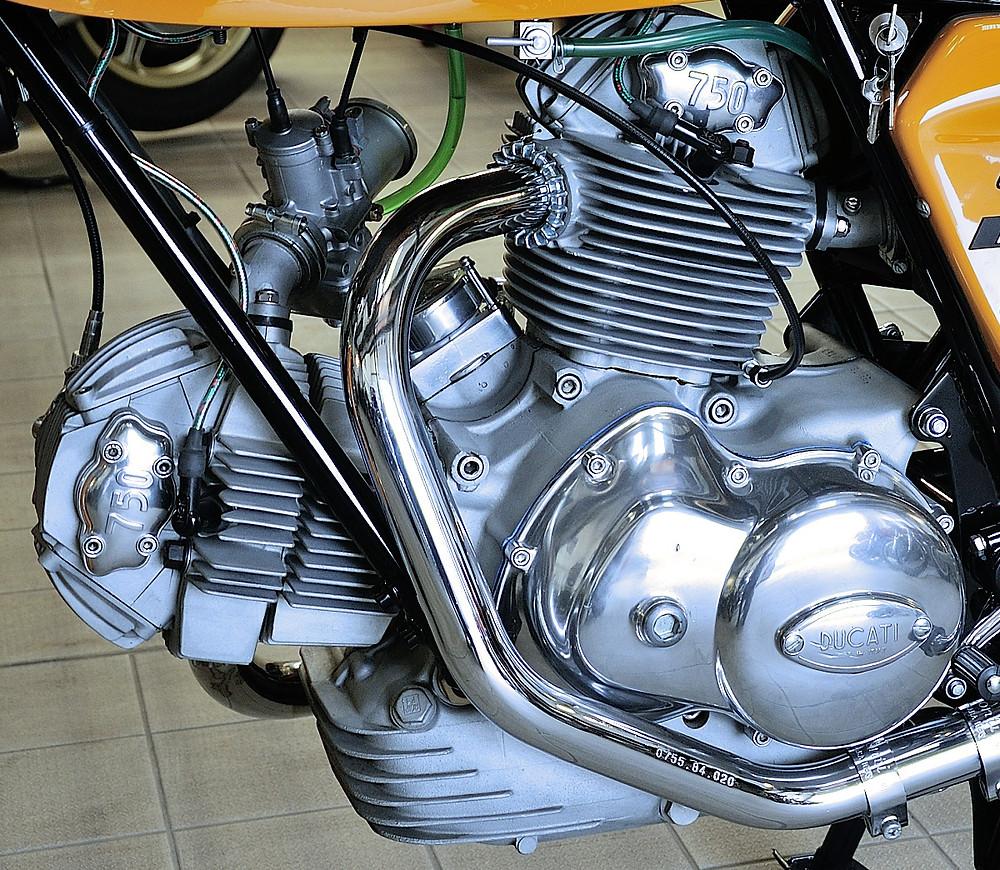 1974 Ducati 750 Sport  (21).JPG