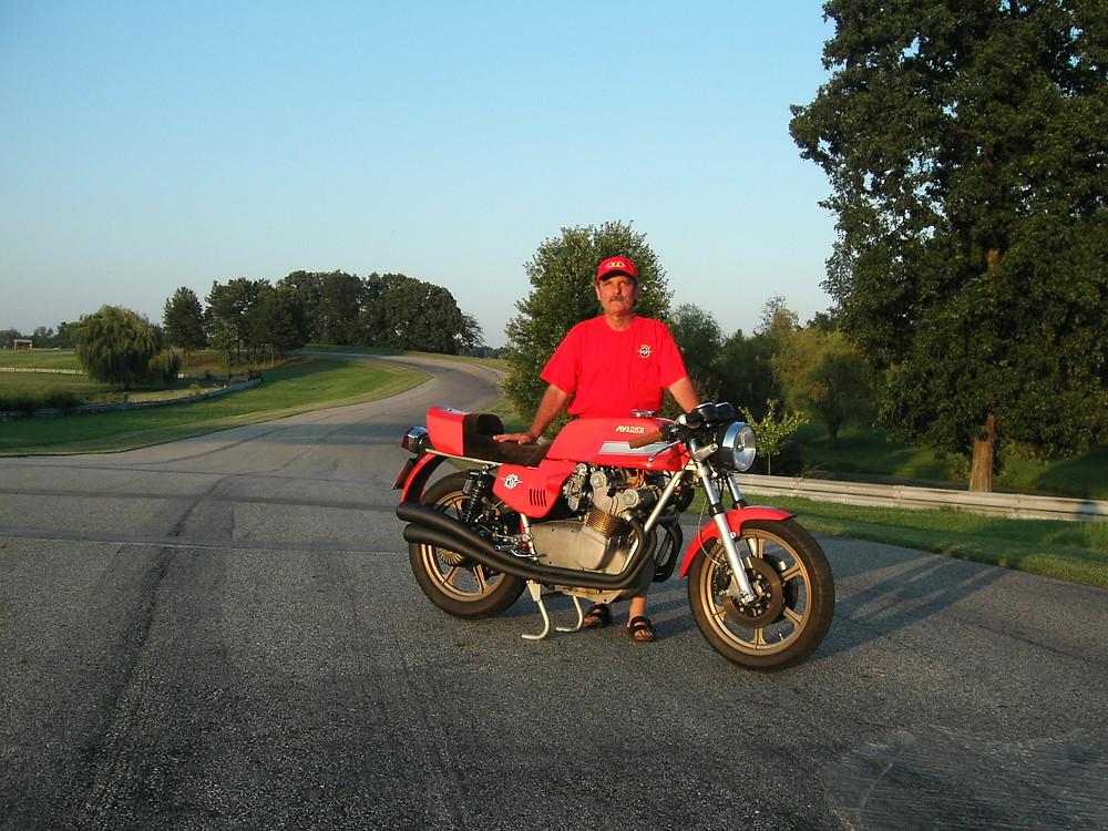 MV MV Agusta America Bold 912 MC Grattan 2006.jpg