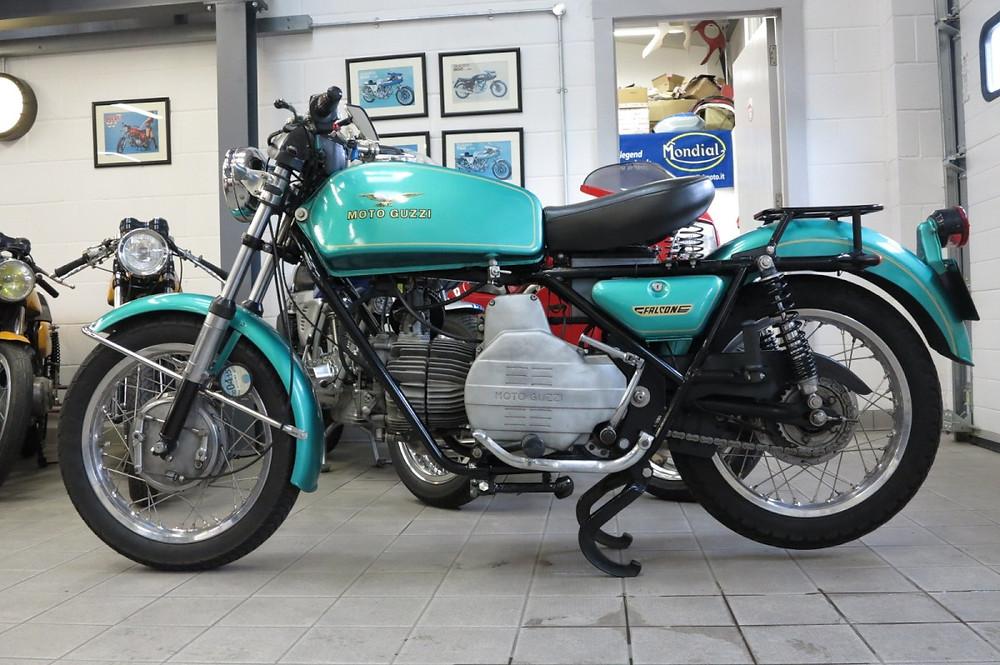 Moto Guzzi Nuovo Falcone 1971 (1).JPG