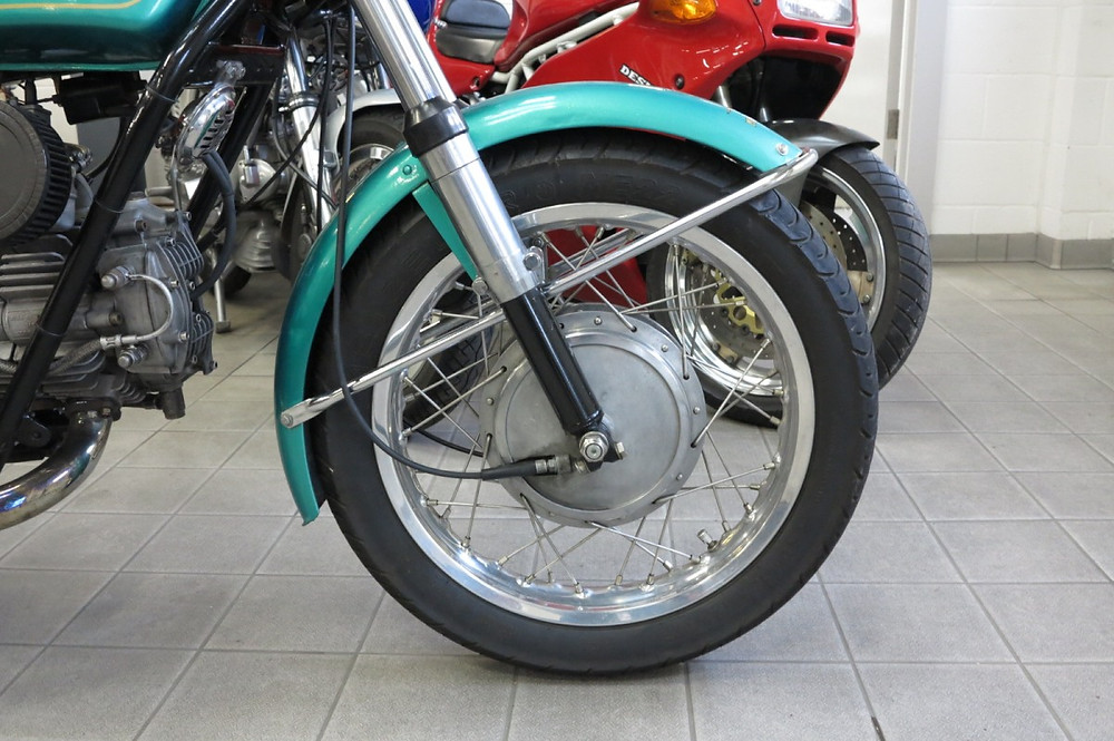 Moto Guzzi Nuovo Falcone 1971 (4).JPG