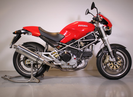 Ducati 900IE Monster 2002.