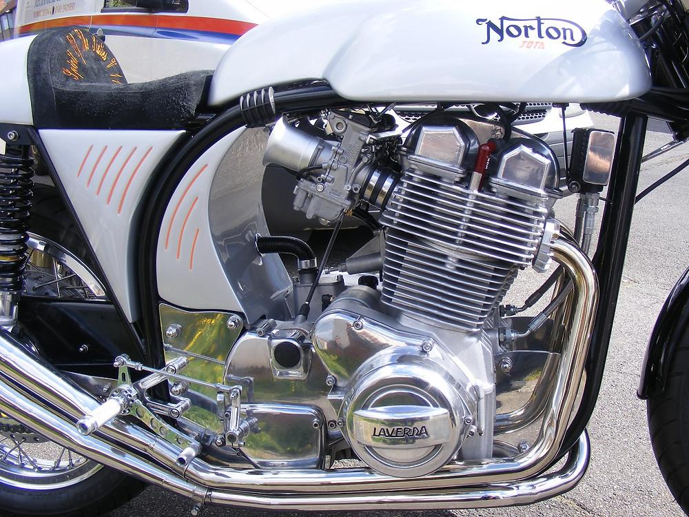 Norton-Laverda Jota 3.JPG