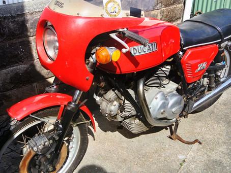 Ducati 750GT 1974. For restoration.